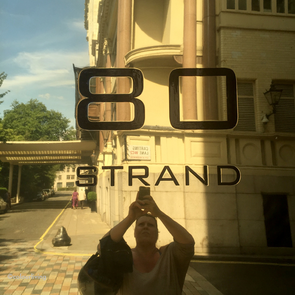 an art deco walking tour in the strand | colourliving